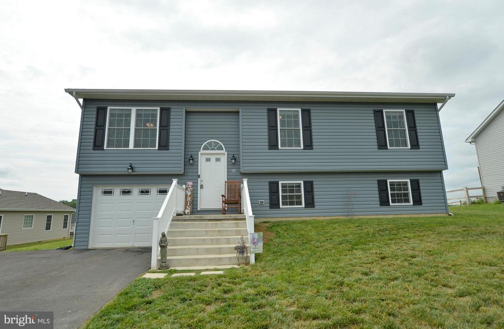 Back the front... - 540 SPYGLASS, MARTINSBURG