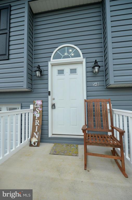 Come on in... - 540 SPYGLASS, MARTINSBURG