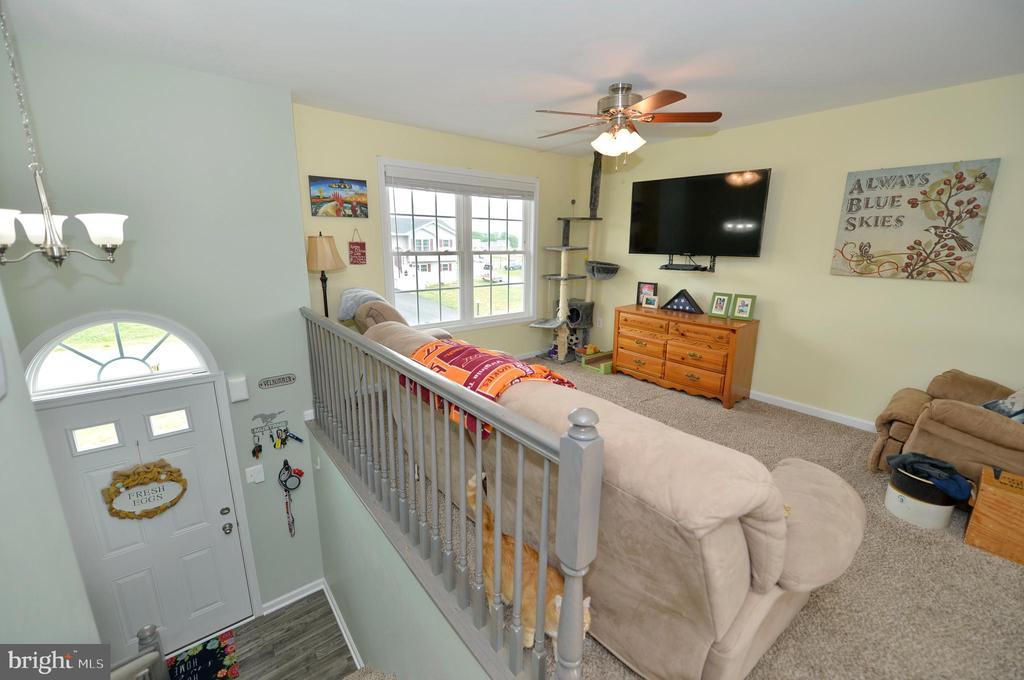 Delightful living room - 540 SPYGLASS, MARTINSBURG