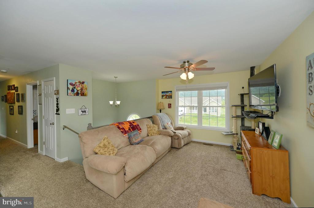 Additional living room view - 540 SPYGLASS, MARTINSBURG