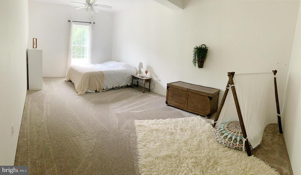 Fifth extra large bedroom in the basement - 2955 BRUBECK TER, IJAMSVILLE