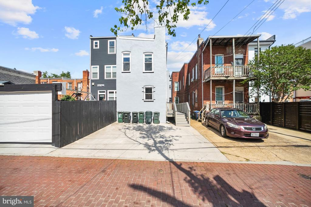 Parking for two cars (other view) - 1122 6TH ST NE, WASHINGTON