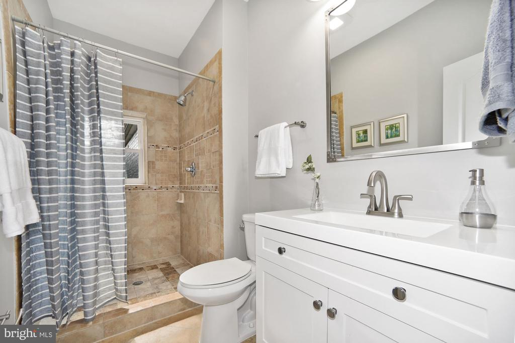 Master Bathroom - 1122 6TH ST NE, WASHINGTON