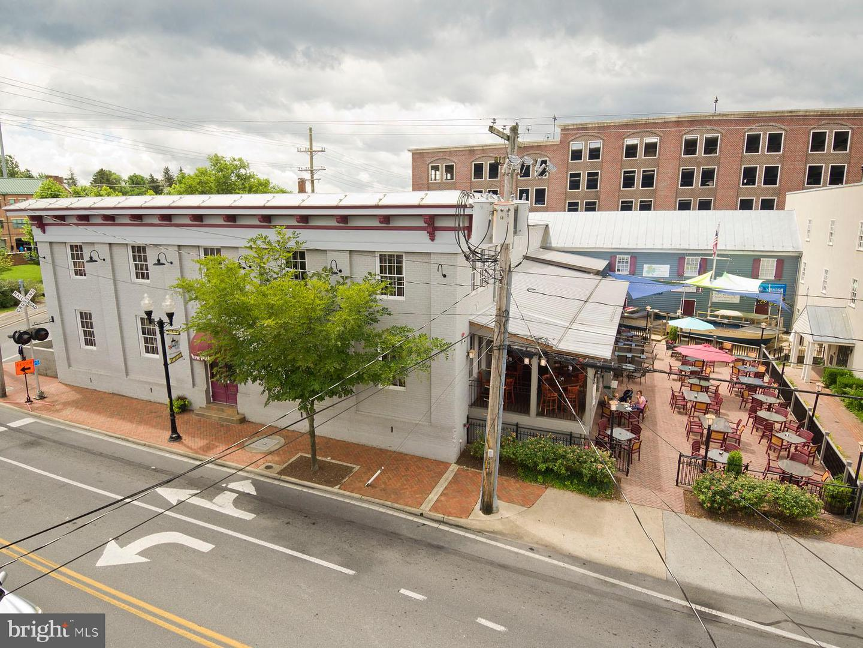 Kleinhandel voor Verkoop op Winchester, Virginia 22601 Verenigde Staten