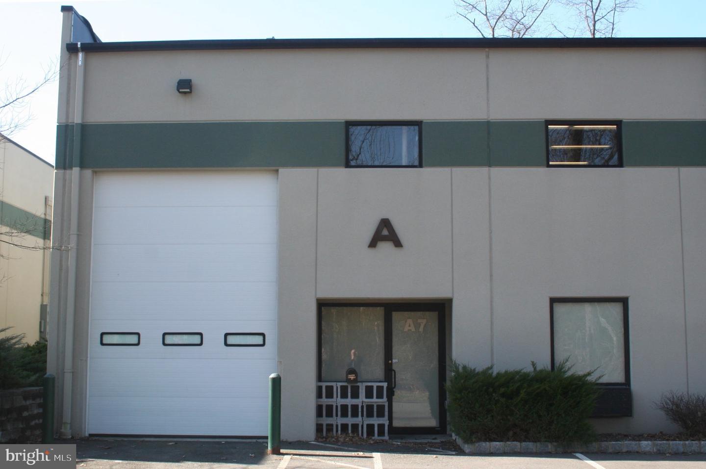 Single Family Homes für Verkauf beim Lambertville, New Jersey 08530 Vereinigte Staaten