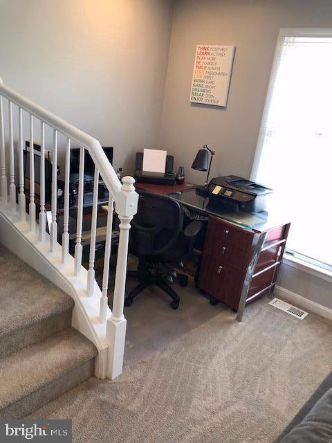 Desk Area Middle Floor - 31 VICTORIA SQ, FREDERICK