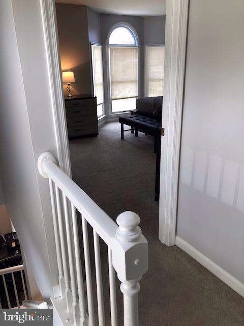 Upstairs Hallway - 31 VICTORIA SQ, FREDERICK