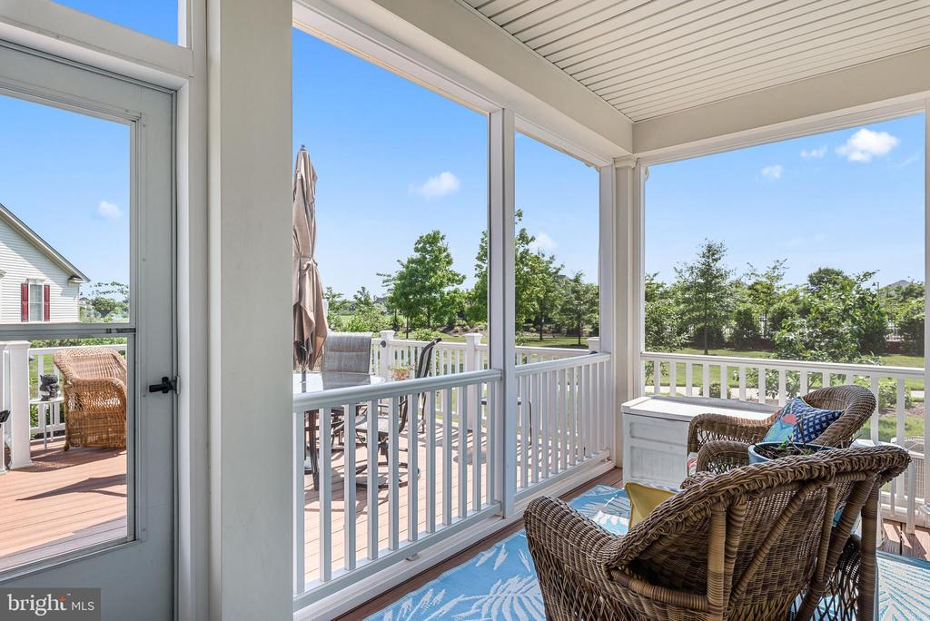 Screen Porch and Deck - 44557 GRANITE RUN TER, ASHBURN