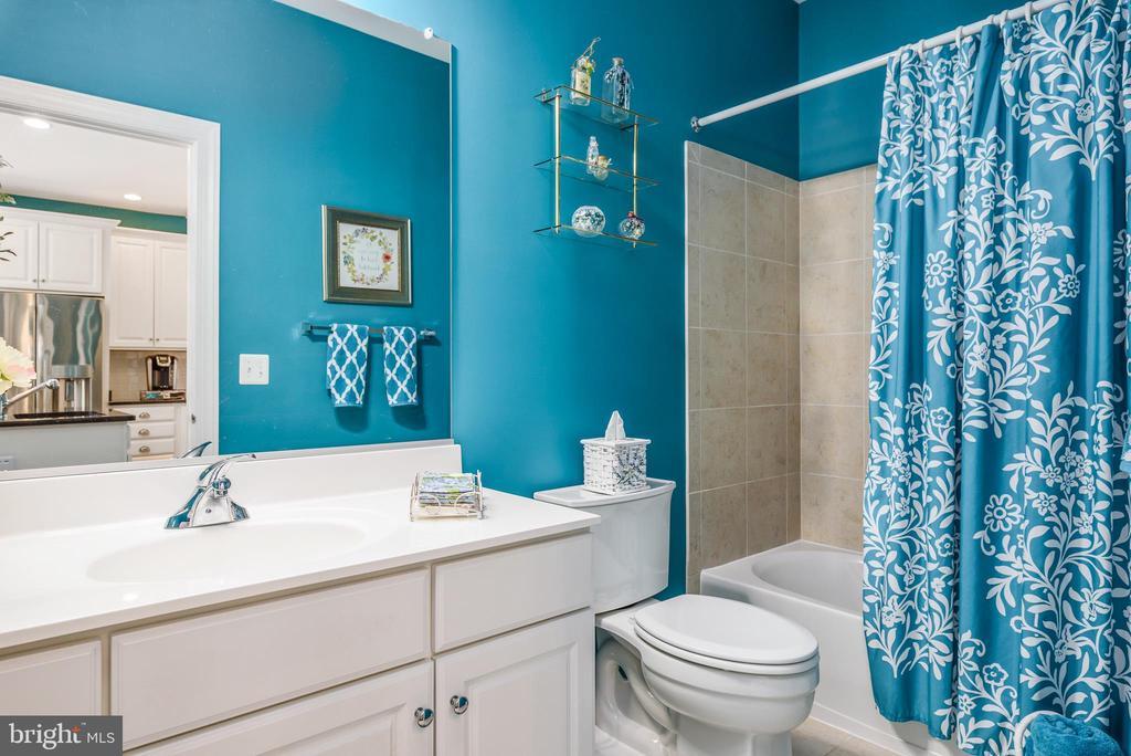 Second Bathroom - 44557 GRANITE RUN TER, ASHBURN