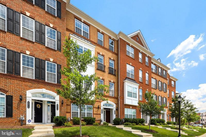 - 23516 HOPEWELL MANOR TER, ASHBURN