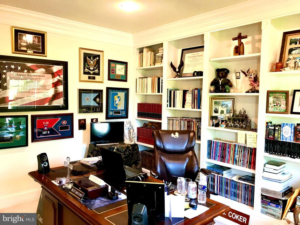 Large Home office / Library - 14414 BROADWINGED DR, GAINESVILLE