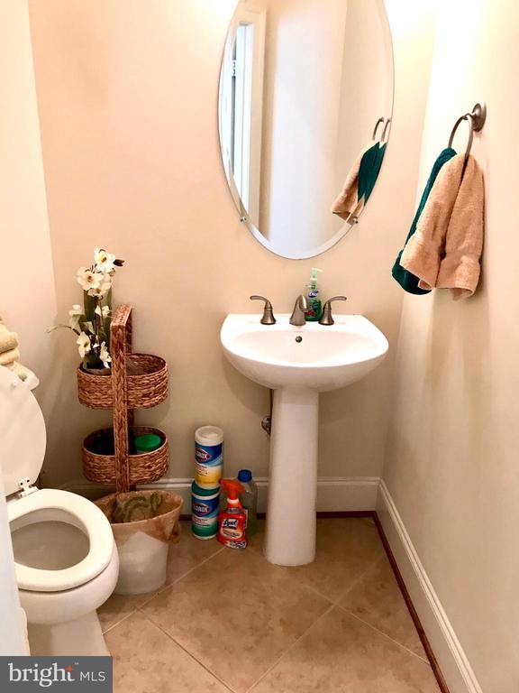 Half bathroom on main level - 14414 BROADWINGED DR, GAINESVILLE