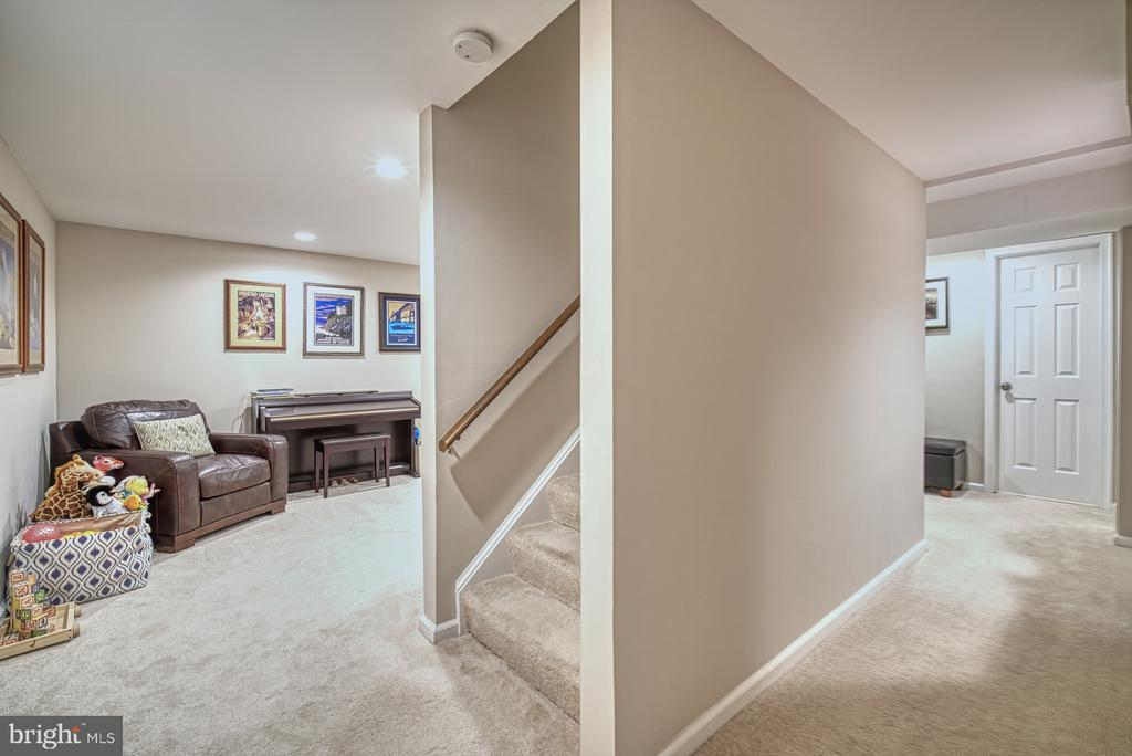 Finished basement with recessed lighting - 9631 BOYETT CT, FAIRFAX