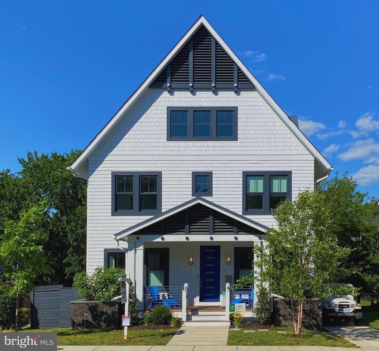 Single Family Homes vì Bán tại Arlington, Virginia 22201 Hoa Kỳ
