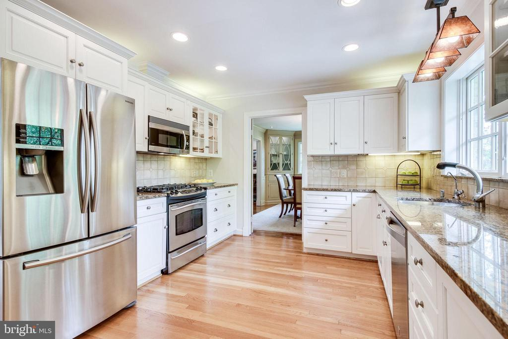 Updated Kitchen - 4501 35TH RD N, ARLINGTON