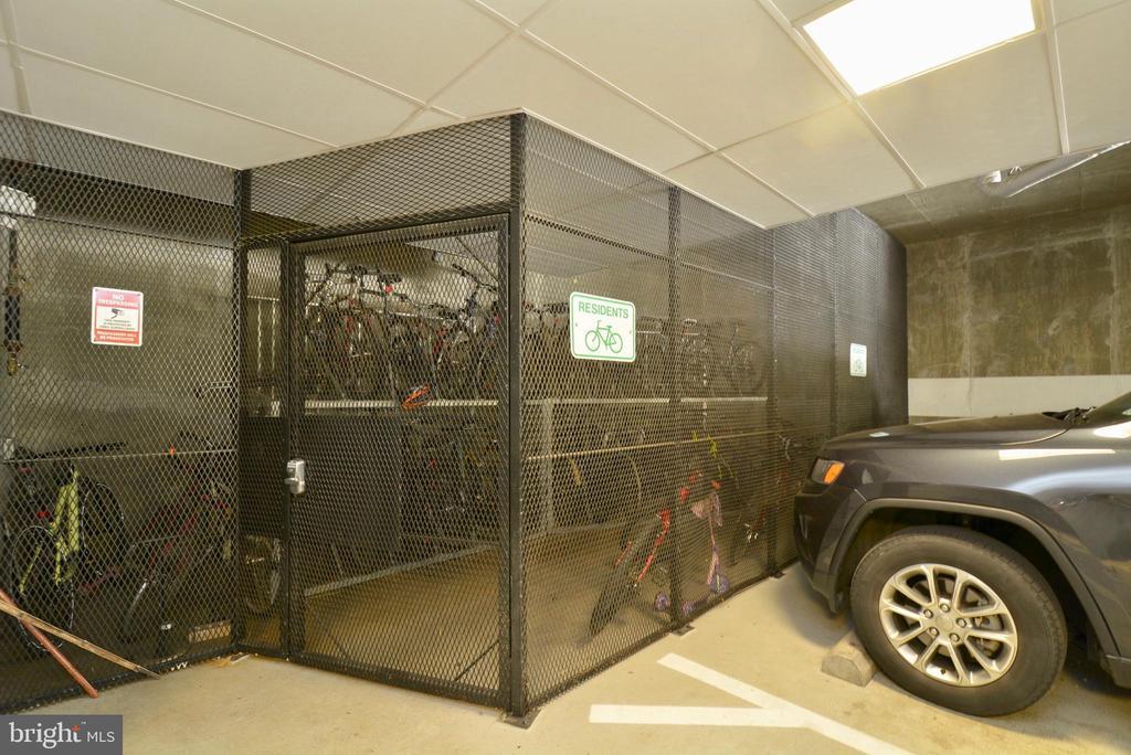 Bike Storage - 2101 N MONROE ST #314, ARLINGTON