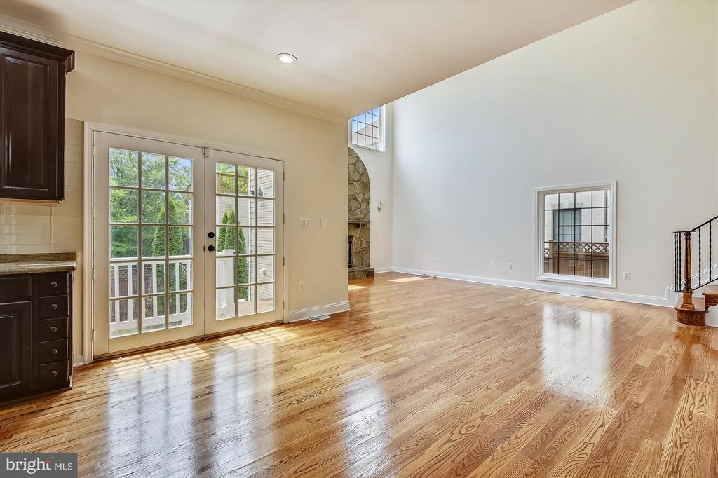 French Doors to patio and backyard - 3114 N PERSHING DR, ARLINGTON