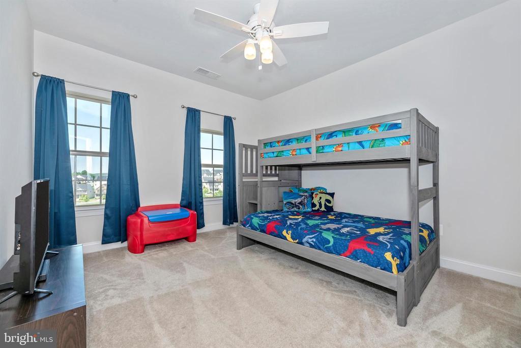 Bedroom 2 - 10024 BEERSE ST, IJAMSVILLE
