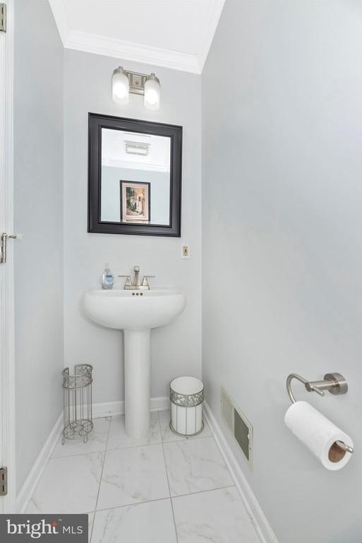 Powder Room - Main Level - 6156 WOODVILLE RD, MOUNT AIRY