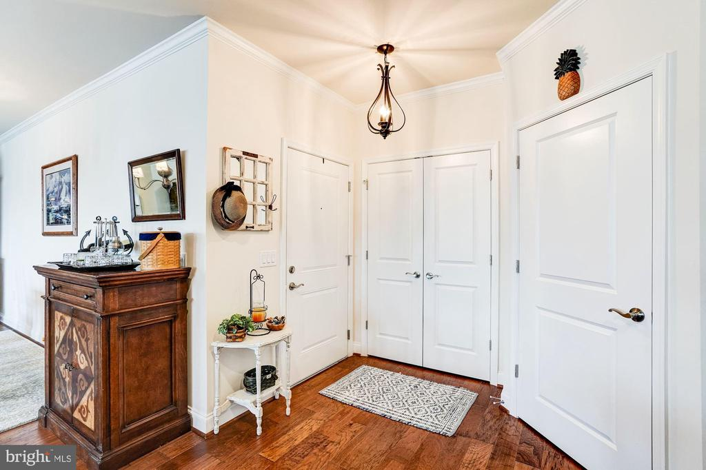 Welcome to this premier model in the Flats - 23631 HAVELOCK WALK TER #420, ASHBURN
