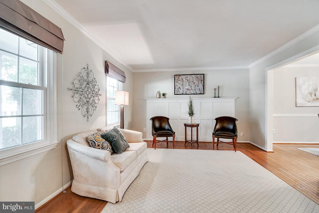 Formal living room with gleaming hardwood floors - 14422 WILLIAM CARR LN, CENTREVILLE