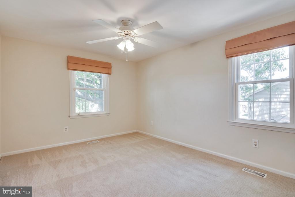 Bedroom 3 - upper level - 14422 WILLIAM CARR LN, CENTREVILLE