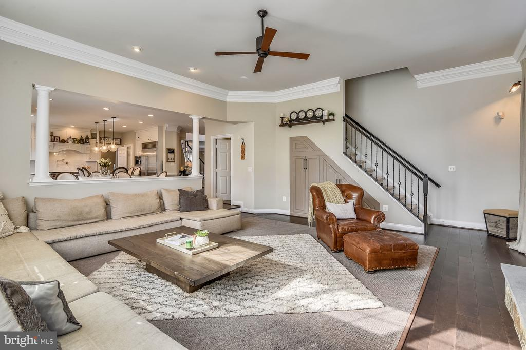 Family Room: with second stair access - 11329 STONEHOUSE PL, POTOMAC FALLS