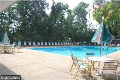 community pool - 5111 S 8TH RD S #207, ARLINGTON
