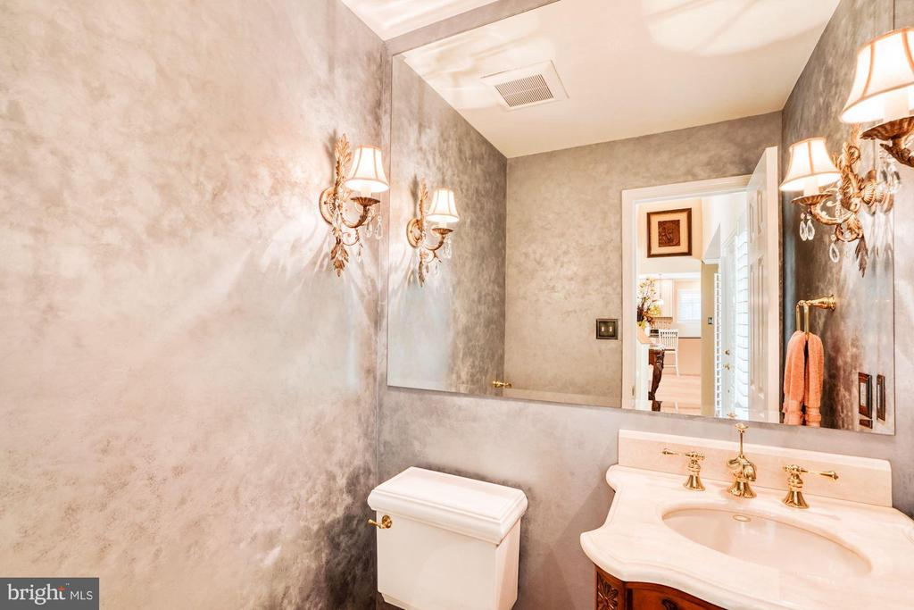 Powder Room off Foyer - 1308 PAVILION CLUB WAY, RESTON