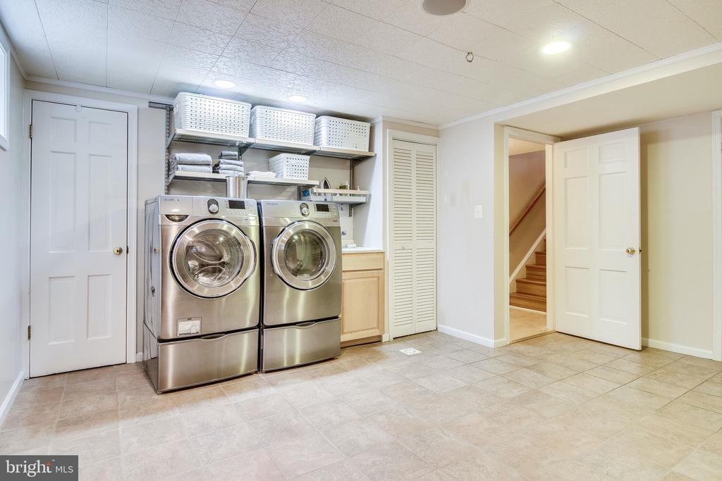 Spacious Laundry room - 4501 35TH RD N, ARLINGTON