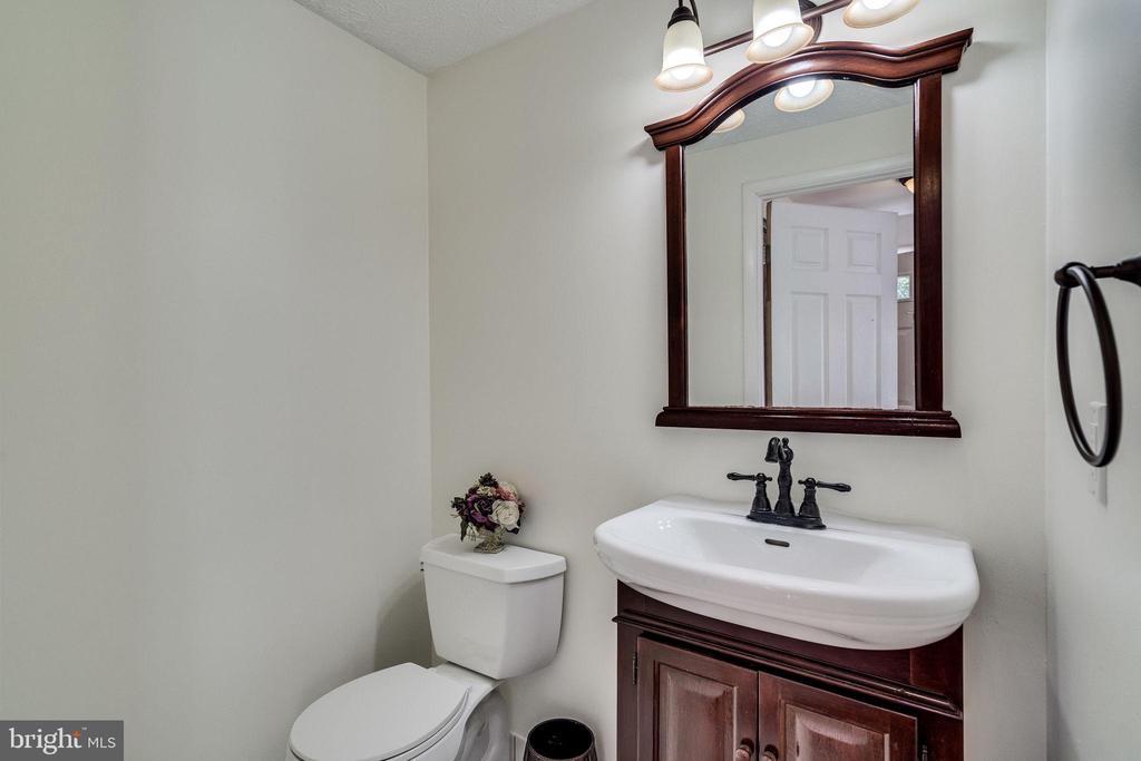 Half Bath / Main Level - 8364 ROCKY FORGE CT, SPRINGFIELD