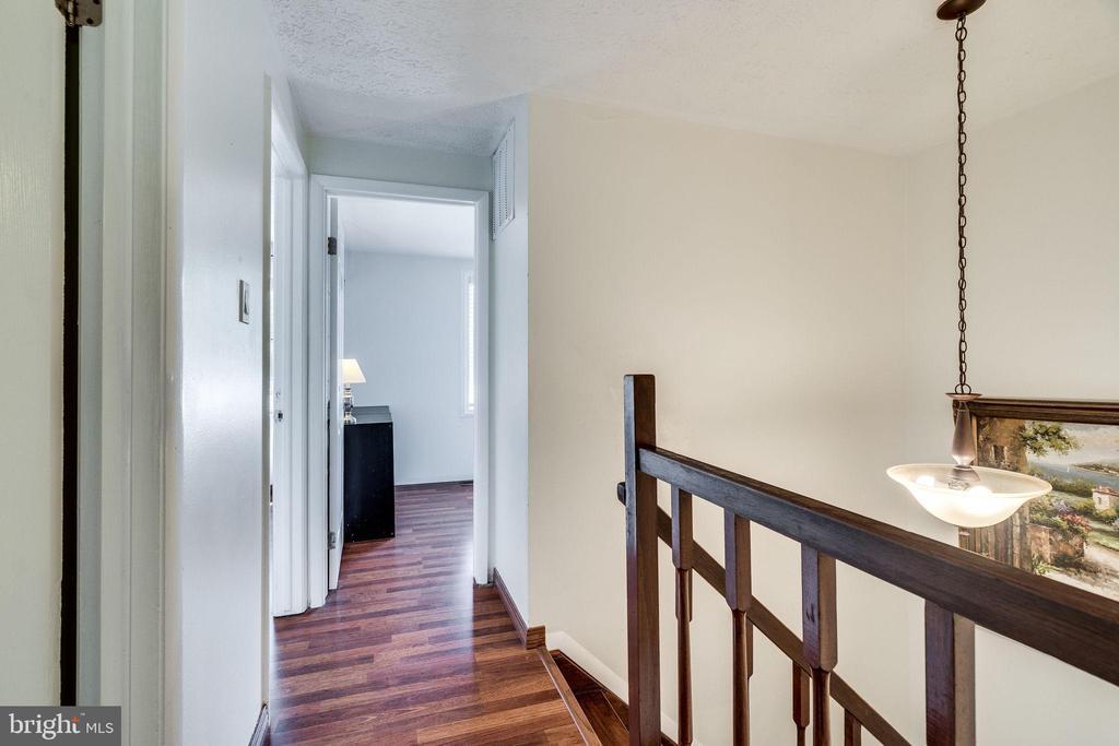 Hallway / Upper Level - 8364 ROCKY FORGE CT, SPRINGFIELD