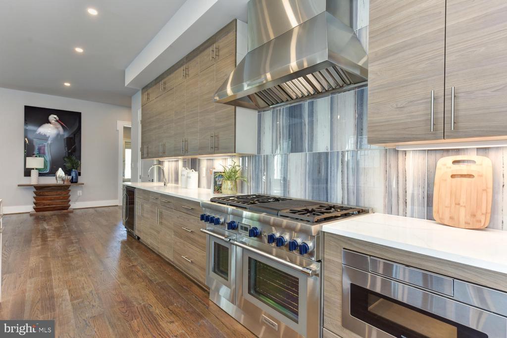 Kitchen - 2538 N GREENBRIER ST, ARLINGTON