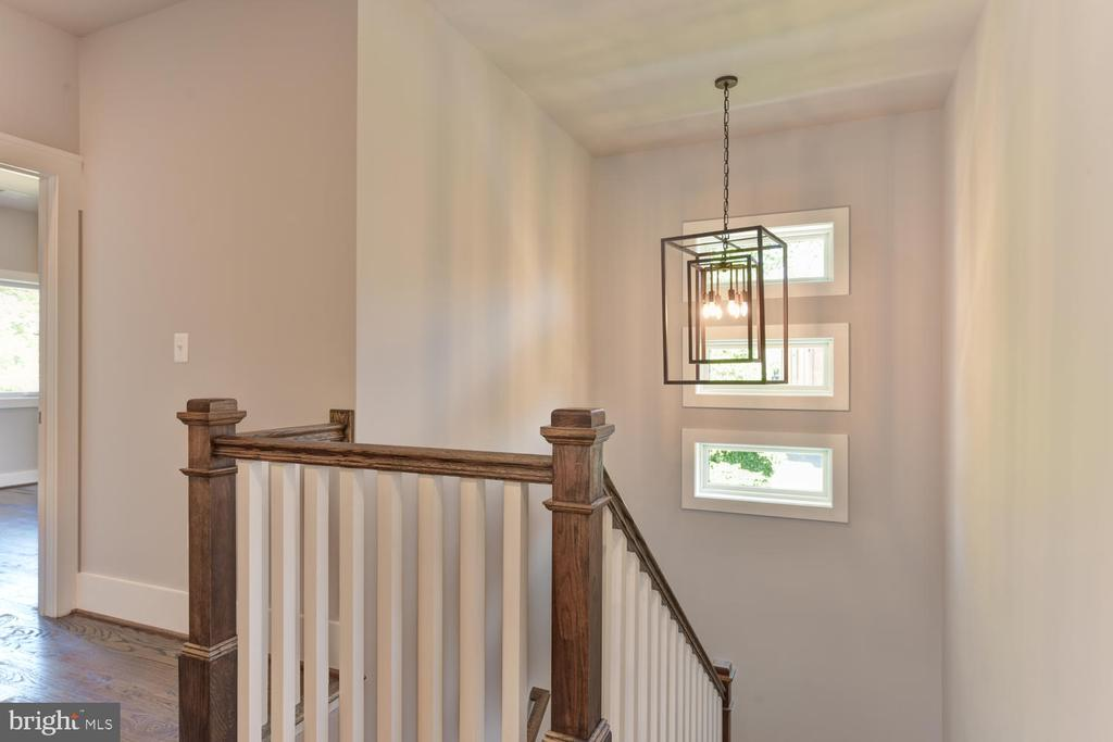 Foyer to Master Bedroom - 2538 N GREENBRIER ST, ARLINGTON