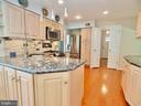 So much light in this kitchen! - 6218 GENTLE LN, ALEXANDRIA