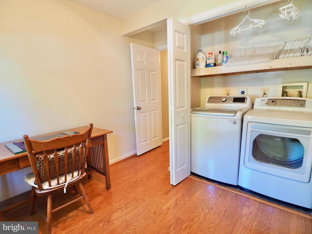 Main floor laundry! - 6218 GENTLE LN, ALEXANDRIA