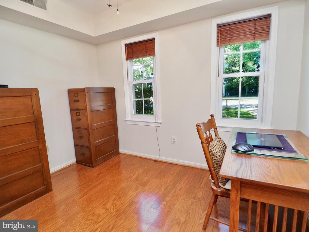 Main level office, tucked away from rest of house - 6218 GENTLE LN, ALEXANDRIA