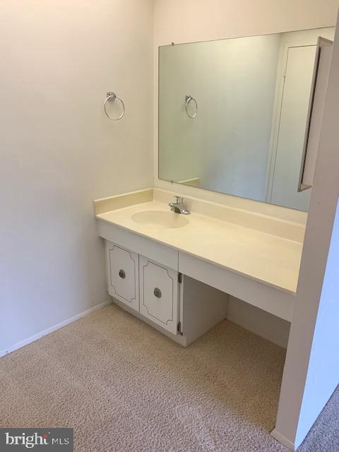 Master Bedroom Vanity Area - 3031 BORGE ST #205, OAKTON