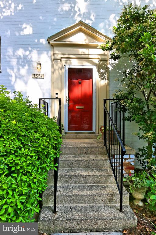 Located in sought after ParkFairfax! - 3384 GUNSTON RD, ALEXANDRIA
