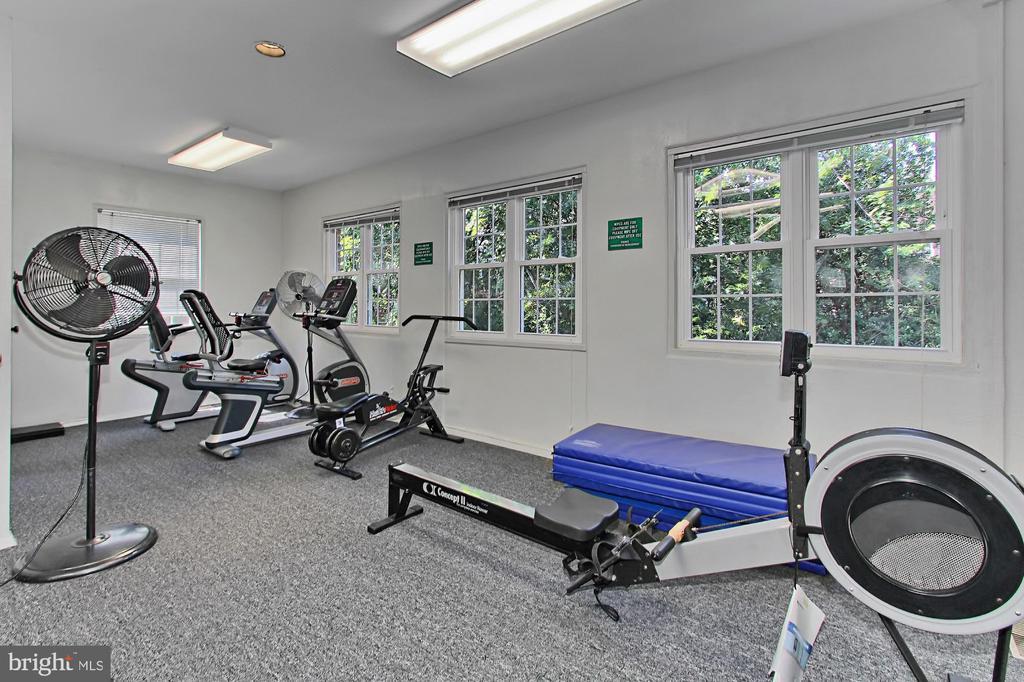 Convenient community Fitness Center. - 3384 GUNSTON RD, ALEXANDRIA