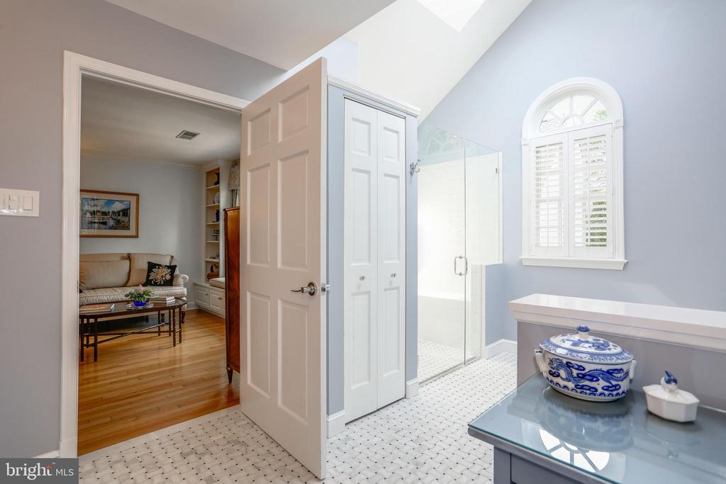 Master Bathroom - 4629 35TH ST N, ARLINGTON