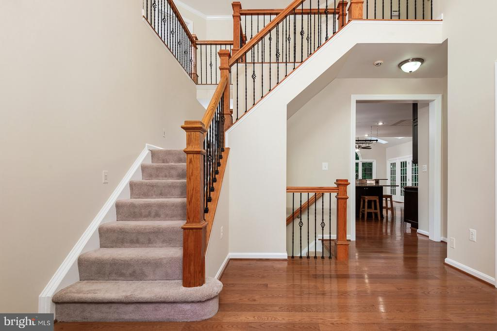 Custom-Built Home with Prestigious Two-Story Foyer - 1515 JUDD CT, HERNDON