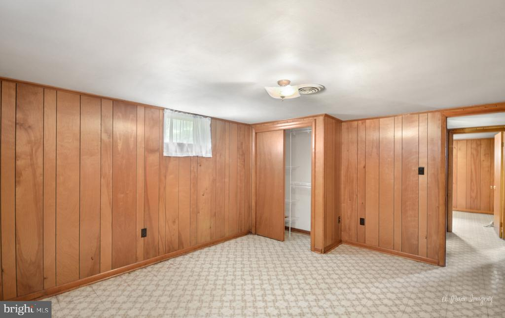 LL potential bedroom with added egress window - 404 CULLER AVE, FREDERICK