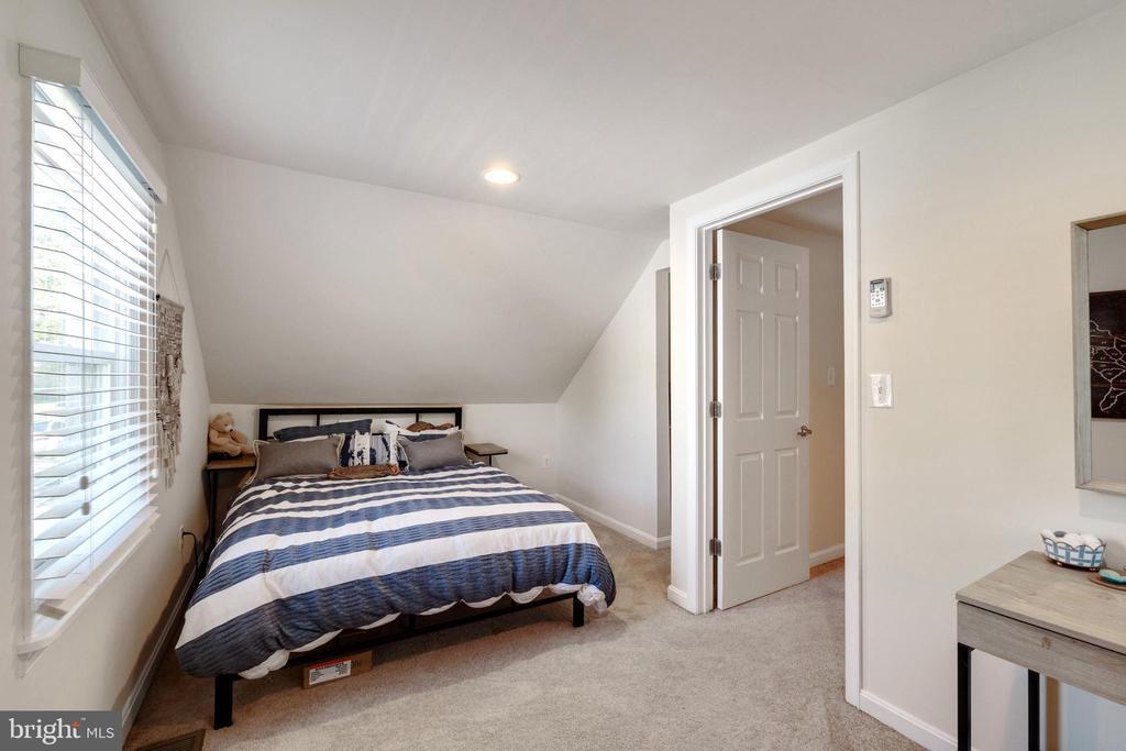 2nd Upstairs Bedroom - 107 CALVERT RD, ROCKVILLE