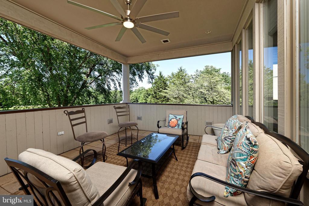Porch off Family Room - 40850 ROBIN CIR, LEESBURG