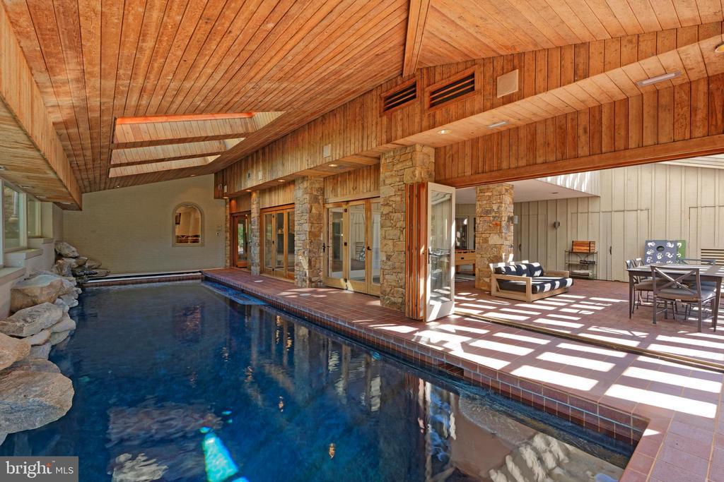 Indoor Pool & Cabana - 40850 ROBIN CIR, LEESBURG