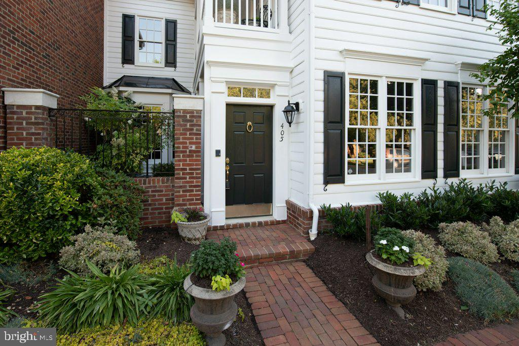 Now for your tour... - 405 S HENRY ST, ALEXANDRIA