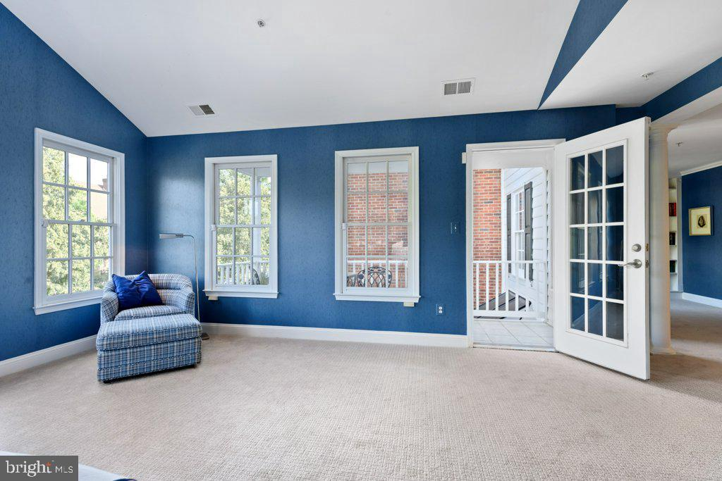 Step through the door to the private balcony - 405 S HENRY ST, ALEXANDRIA