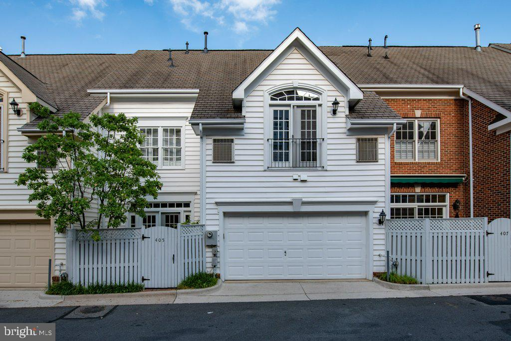For access to the two-car garage - 405 S HENRY ST, ALEXANDRIA
