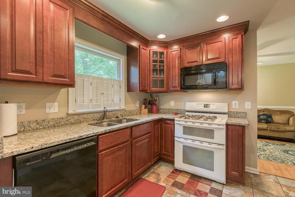 Kitchen with Cherry Wood Cabinets - 11018 ABBEY LN, FREDERICKSBURG